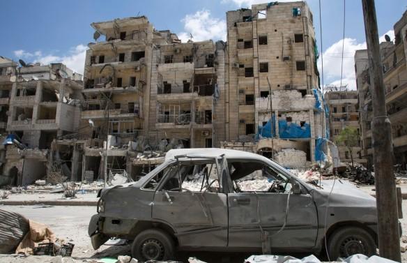 vue-generale-hopital-al-quds-apres-bombarde-dans-quartier-rebelle-sukkari-alep-28-avril-2016_0_1400_904