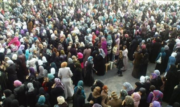 Des-femmes-de-Banias-et-Al-Bayda-manifestent-ensemble-le-27-avril-2011